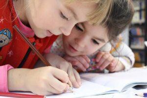 Kinder malen - Sozialpäd Assistenz Prüfung